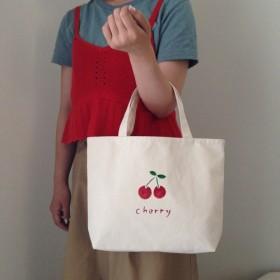 Cherry Mサイズ ロゴトートバッグ