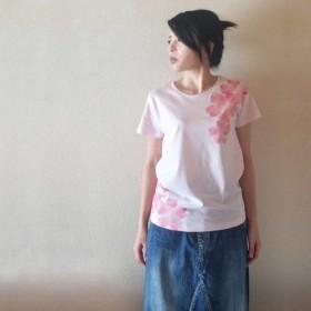 レディース 舞桜柄Tシャツ 手描きで描いた和風の桜の花柄Tシャツ 桜色 春