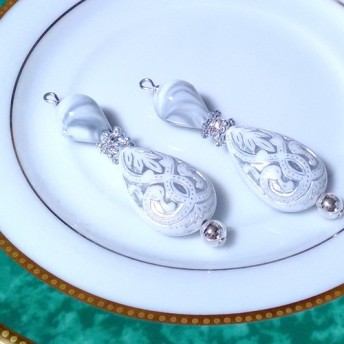 送料無料 Silver &White Drops