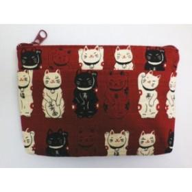 和柄前ポケット付きポーチ(お化粧・コスメ・小物入れ)福あつめ招き猫濃赤