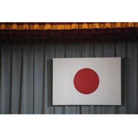 【日本の春の風景ポストカードAIR】小学校の体育館に掲げられた巨大な日の丸 国旗の桜葉書ハガキはがき photo by MIRO