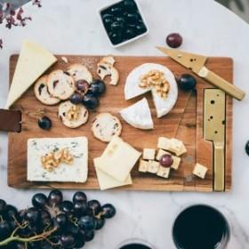 チーズポルノ チーズ カッティングボード おしゃれ まな板 / 木製トレイ キッチン雑貨