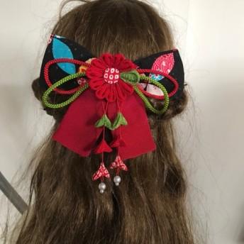 黒と赤のマーガレットリボンの髪飾りセット(卒業式・袴・ちりめん細工)