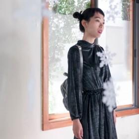 Mu Wei:スタンドカラーベルベットバックル小さなドレス(グレーブルー)