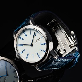 【SPQR】SPQR arita 機械式腕時計 「秋津」有田焼裏蓋バージョン 9本限定