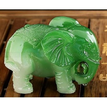 置物 茶玩 色の変わる玉を持つ象さん 翡翠風 (グリーン)