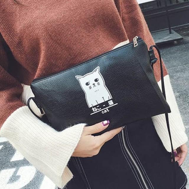 tas selempang fashion wanita sling bag cewek hitam kucing putih bta345: Rp 58.400