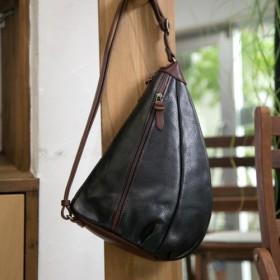 イタリア製牛革のショルダーバッグ / ブラック