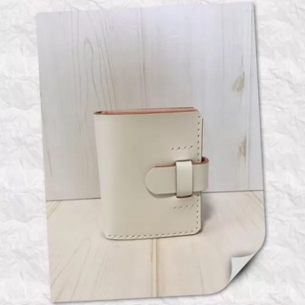 ®︎ yuki《コンパクトウォレット》折り財布 ホワイトカラー