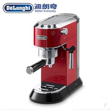 107/5/31 前超值組合 豆子+ KG40+ 奶壺 + EMF2 奶泡機 黑 義大利 DELONGHI 迪朗奇半自動咖啡機 EC680.R 紅色 商品規格 商品型號:EC680 顏色選擇:(M)