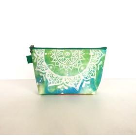 モロッコ風手描き曼荼羅模様 グリーンとブルーのエスニックポーチ【春・夏】自分用にもプレゼントにも♪