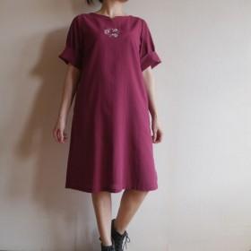 花の手の刺繍の薄い綿のドレス