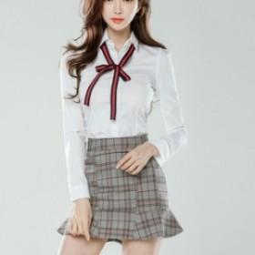 チェック柄のスカートと チェックのリボンと裾フリルが可愛いシャツ ガーリーに攻めるならこのセット
