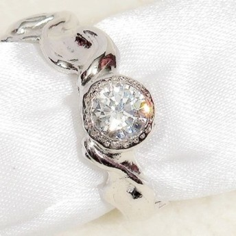 5.5mm合成ダイヤモンドと5mmキュービックジルコニア SV925の指輪