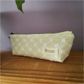 コットンリネンレース刺繍のファスナーポーチ