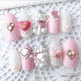 ゆめかわいい キラキラピンクの宝石ネイル