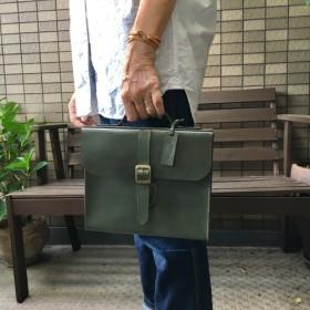 ヌメ革 ハンドルバッグ 箱型 セージグリーン 手縫い ☆送料無料