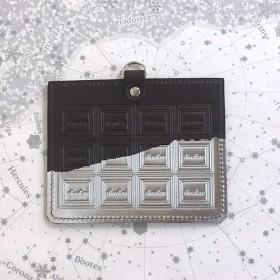 革紐なし 革のビターチョコ・カードホルダー(銀の包み紙)