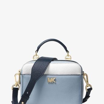 Michael Kors(マイケルコース) メッセンジャー バッグすべての商品を見る クロスボディ/斜め掛け MICHAEL MICHAEL KORS ミニ ギターストラップ クロスボディ パールブルー/ホワイト/アドミラル NS