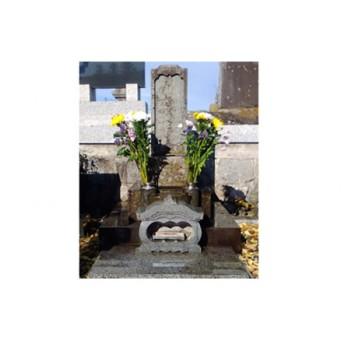 お墓の清掃作業