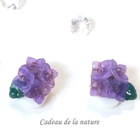雨上がりの紫陽花イヤリング