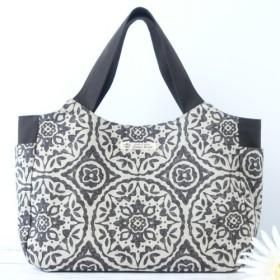 モロッカンタイル柄の大きめバッグ