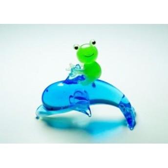 ガラス小物 イルカに乗ったカエル