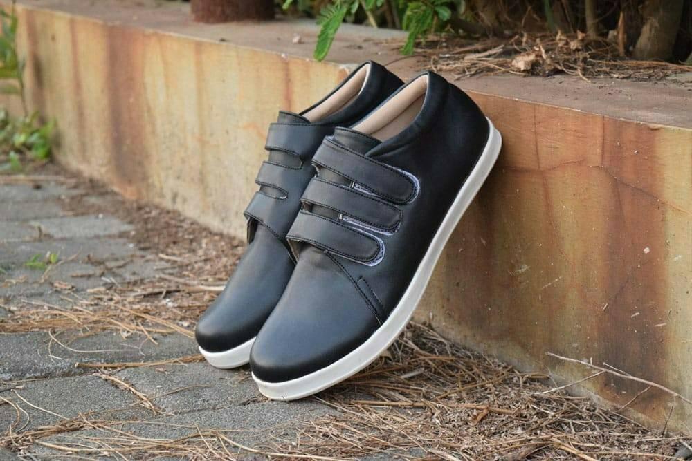Sepatu Wanita Az Lorsen Women Shoes semi Sneakers untuk wanita 925a4925fa