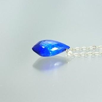 14kgf 深い青が心を魅了する秘的なラピスラズリネックレス