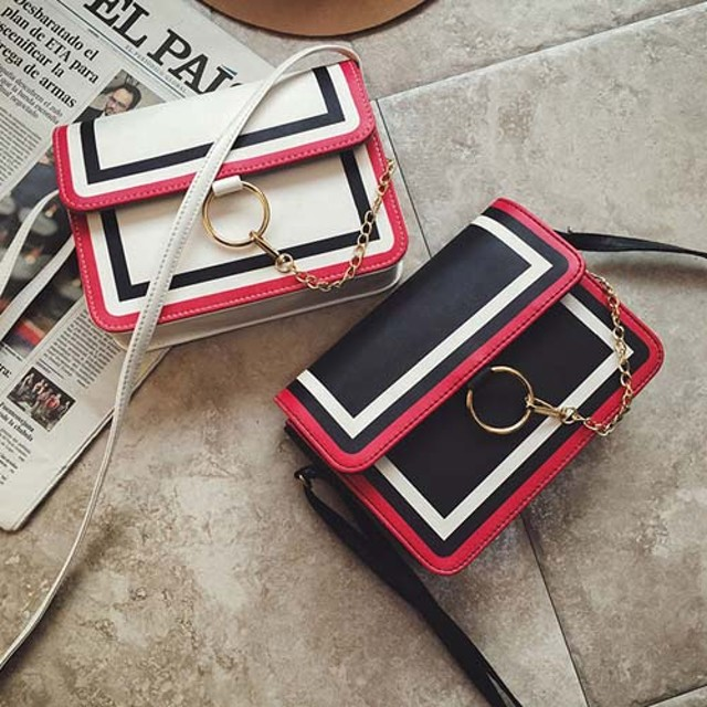 tas selempang kulit wanita aksen rantai leather sling bag cewek bta385: Rp 84.000