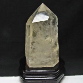 2.6Kg 水晶 六角柱 ブラックトルマリン入り 台座付属 [送料無料] 162-32