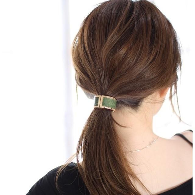 大人の簡単まとめ髪!上品で、可愛いヘアアクセサリー!レザー・カフポニー♪(グリーン)