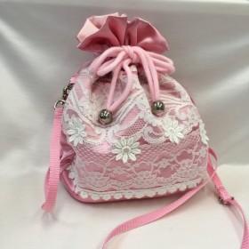 ピンクサテンとレースの巾着バッグ