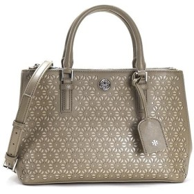 TORY BURCH トリーバーチ ROBINSON FLORAL PERF. MINI DOUBLE ZIP TOTE 22159800