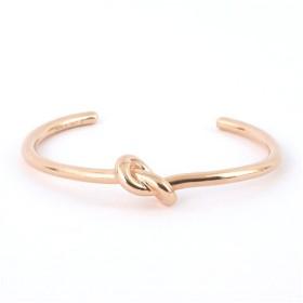 並行輸入品 CELINE セリーヌ  Knot Extra Thin Bracelet 46D46 6BRA 35RG