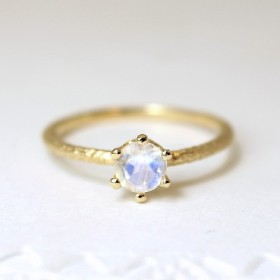 round cut royal blue moonstone ring [5mm] (gold plating)