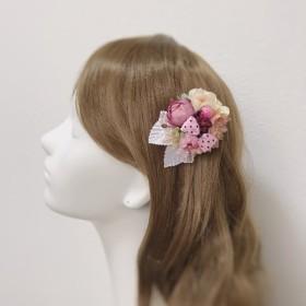 水玉リボンとお花のヘアクリップ 髪飾り クリップ お花 ピンク パール バラ リボン 水玉 ドット