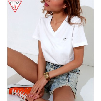 ANAP(アナップ)GUESS LOGO MINI PATCH V-NECK TEE