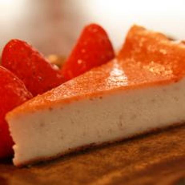 奥野牧場ベイクドチーズケーキ ホール(大)イチゴ