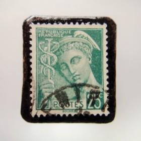フランス 切手ブローチ 3916
