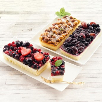 ベイクド・アルル フルーツのレアチーズケーキとキャラメルケーキセット