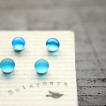 【再販】Pair・チタンピアス SkyBlue