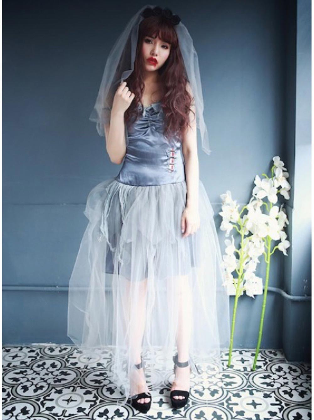 ゾンビの花嫁衣装