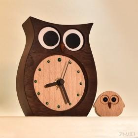 【受注制作】子ふくろうがついているふくろうの置き時計【クオーツ時計】
