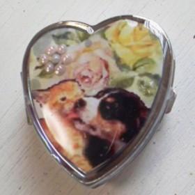 SALE 猫 犬 ピルケース 小物入れ ハート 薔薇 バーニーズ