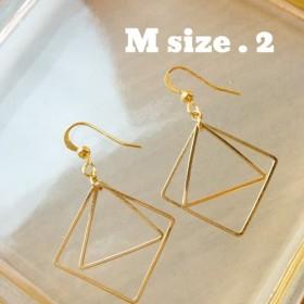 幾何学模様のピアス【M size.2】