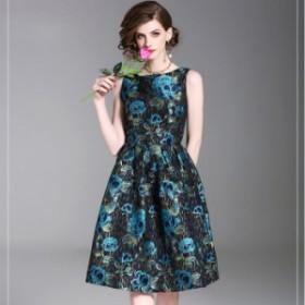 光沢感のあるブルーの花柄がエレガントなひざ丈ノースリーブフレアワンピース 送料無料 お呼ばれ 大人かわいい ワンピース 結婚式 ドレス