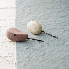 天然木製ヘアピン(ウォームホワイト) ハンドメイド 1点物 ナチュラル 軽い