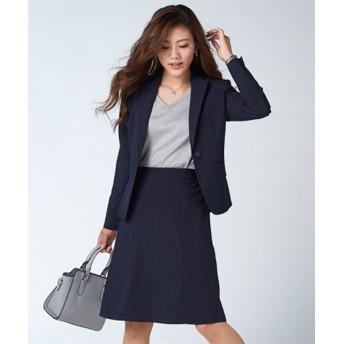 セミフレアスカートスーツ