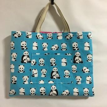 パンダ柄のレッスンバッグ